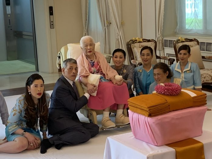 Her Majesty Queen Sirikit, the Queen Mother, attends a private merit making ceremony