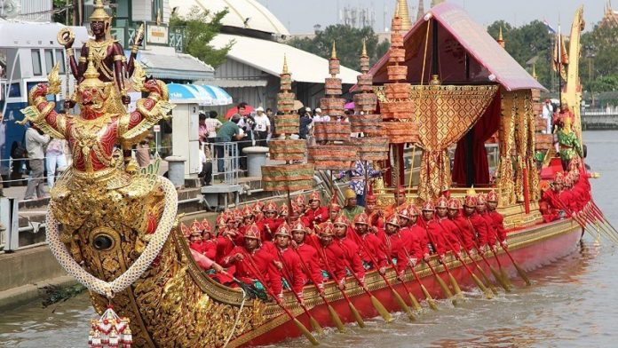 Planning to Attend the Royal Barge Ceremony? – Your Must Read!