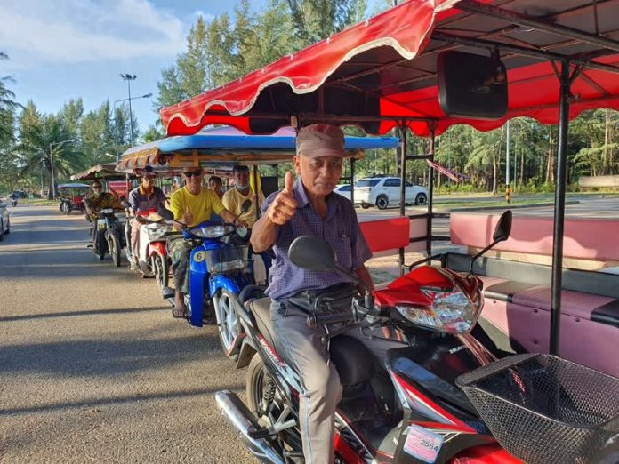 SALENG TAXIS IN PHUKET; A SOLUTION FOR CHA-AM'S LACK OF MULTI-PASSENGER PUBLIC TRANSPORT?