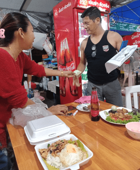 THE CHA-AM STREETSIDE DINING SCENE – IT ISN'T FANCY, BUT IT IS DELICIOUS, SAFE & CHEAP