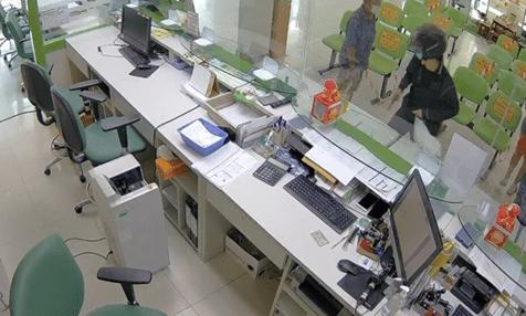 GAMBLING DEBTS BEHIND CRIME SPREE AND FAILED PRACHUAP BANK ROBBERY