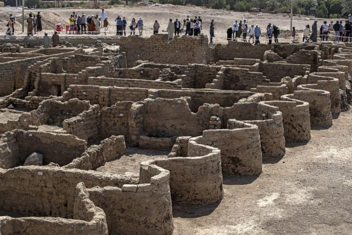 THE ANCIENT 'LOST GOLDEN CITY OF EGYPT' FOUND