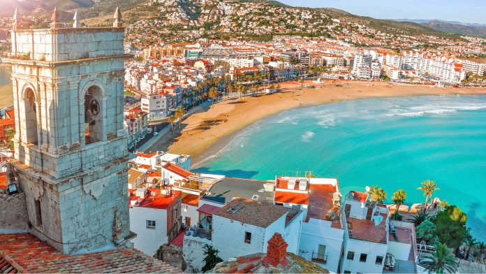 SPAIN NOW WELCOMES VACCINATED TOURISTS